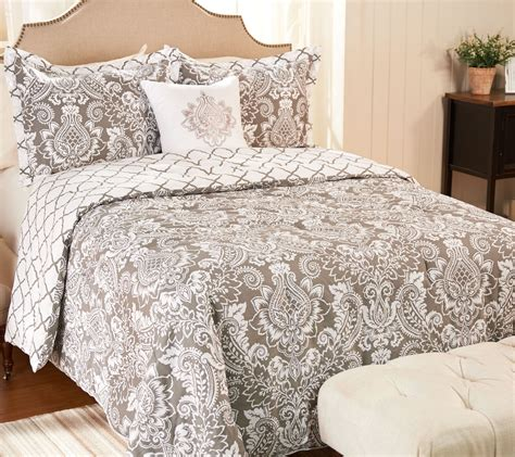 4 piece pineapple medallion bedding set by valerie page
