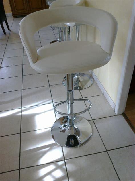 chaise table tabouret bonjour ou trouver des joints circulaire de pied de tabouret de bar