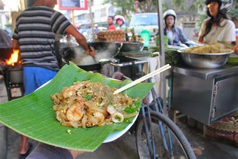 membuat mie balap hendra gunawan teruskan tradisi jualan mie tiaw balap