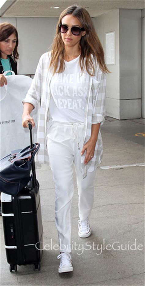 celebrity style guide jessica alba jessica alba wearing anu by natural nubby lurex scarf