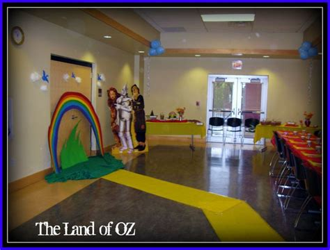 wizard of oz decoration ideas the wizard of oz decorations holywood