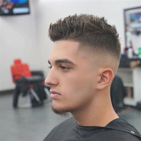 cortes de pelo hombres degradado completo tendencia de corte de pelo hombre degradado pelo corto