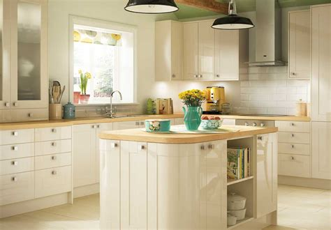 cream shaker kitchen cabinets shaker style cabinets kitchen in cream color home design