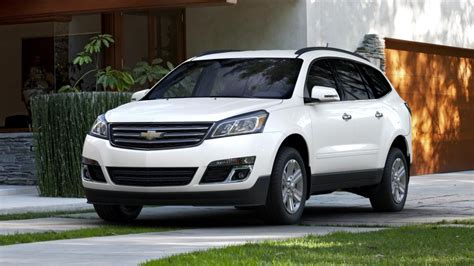 buick gmc collinsville test drive this 2013 white chevrolet traverse at