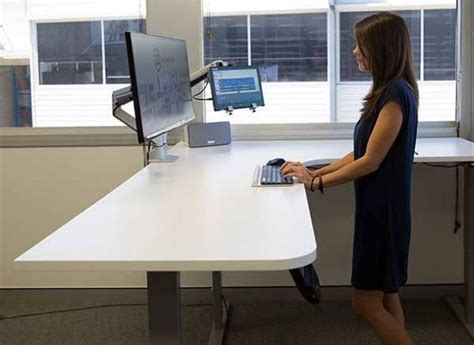 Standing Desk For Gaming Bring Your Gaming To The Next Level With A Stand Up Desk Unigamesity