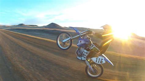 how to wheelie a motocross bike motorbike wheelie wallpaper imgkid com the image