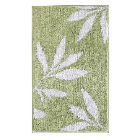 interDesign Leaves 34 in. x 21 in. Bath Rug in Green/White