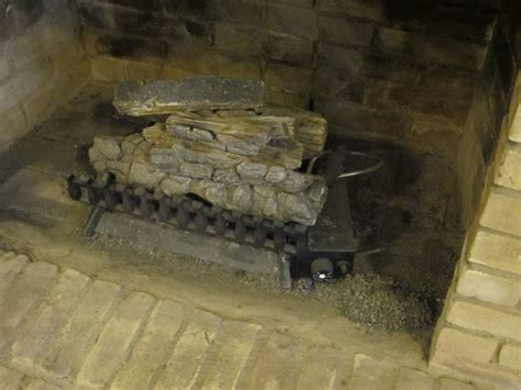 Wood Burning Fireplace With Gas Starter by How To Convert Wood Burning Fireplace To Gas