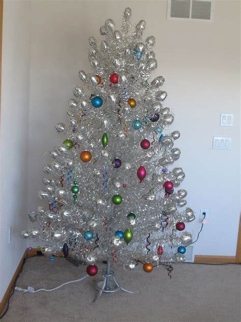 1950s aluminum christmas tree 1000 images about tinsel tree on trees morning and vintage