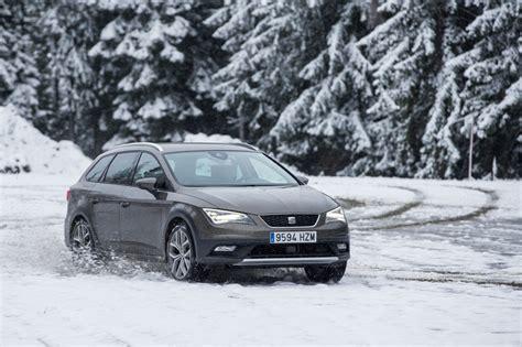 cadenas de nieve frontales consejos para conducir sobre nieve periodismo del motor