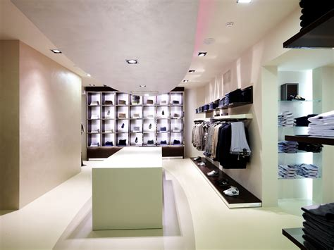 Take a look at the latest design decorating ideas for fashion store
