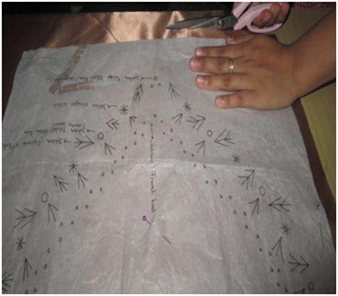 Taplak Meja Bahan Plastik Motif Biru Daun Taplak Meja Anti Air cara membuat sulaman pita pada sarung bantal kursi tutorial sulam pita