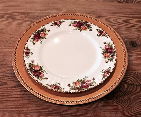 a to be a service dining etiquette what is a service plate