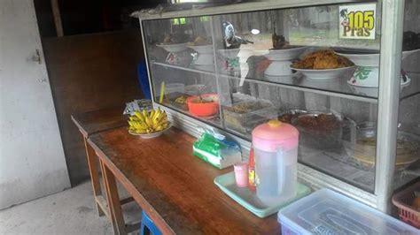 pengusaha warung makan diminta  tertutup
