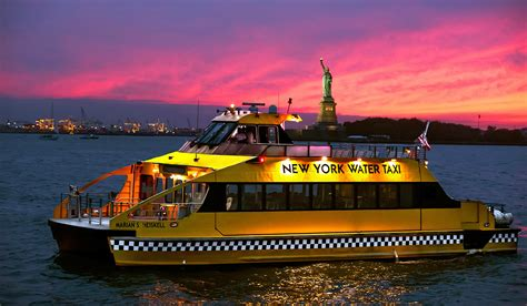 boat booze cruise nyc boats n booze 6 amazing nyc boats you just gotta grab
