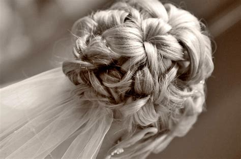 Wedding Updo With Veil Underneath by 30 Wedding Hairstyles And What You Need To Achieve Them