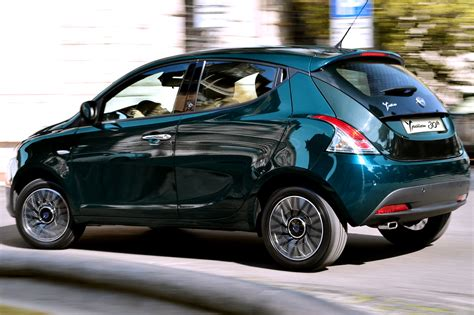 lancia ypsilon pin lancia ypsilon green car new y nuova on