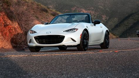 mazda mx5 mpg 10 sports cars with the best gas mileage gobankingrates