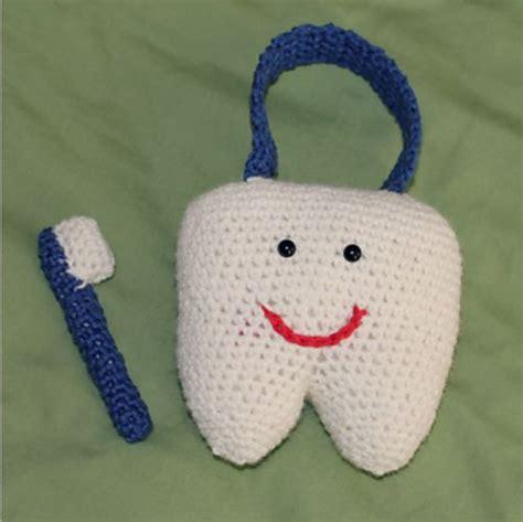 amigurumi tooth pattern ravelry happy tooth pillow pattern by lisa van klaveren