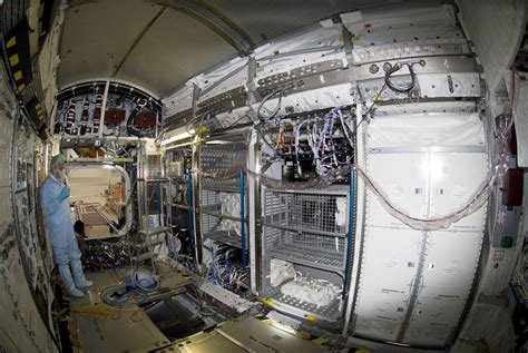 International Space Station Interior by Pics For Gt International Space Station Interior