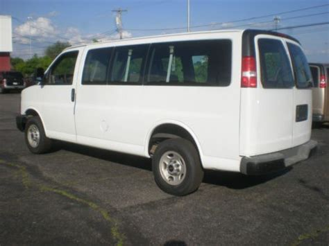 purchase used 2003 gmc savana 3500 cargo van with cab protector bin package in cortland ohio purchase used 2003 gmc savana 5 passenger work cargo van only 86 000 miles in chester