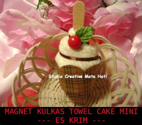 mata hati magnet kulkas towel cake
