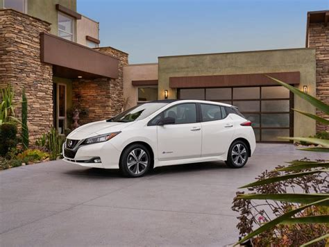 2018 nissan leaf redesign the 2018 nissan leaf gets an attractive redesign and much