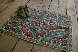 Chain Stitch Rugs by Vintage Crewel Throw Rug Chain Stitch By Appalachianantiques