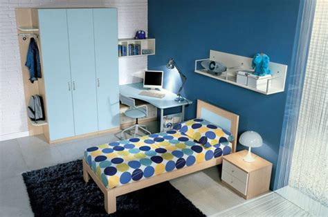 Teenage Bedroom Decorating Ideas by