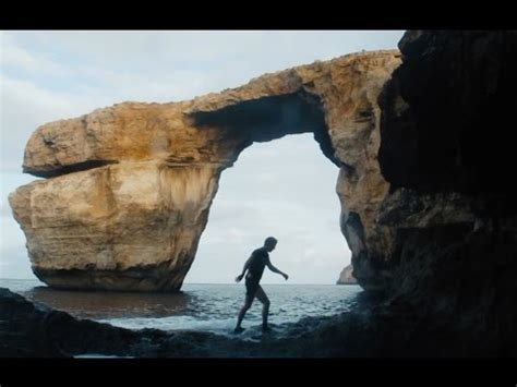 azure window fall cliff jump in malta 92 feet last person to jump from