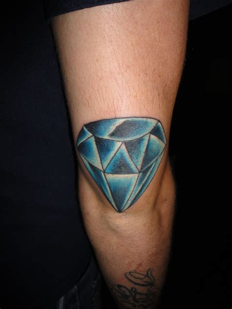 diamond tattoo shading diamond tattoo on knee jpg 736 215 981 ink my whole body