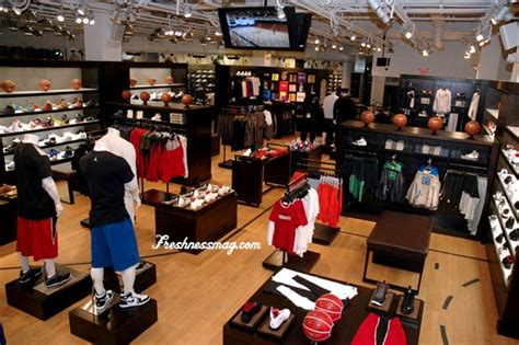 footlocker house of hoops house of hoops los angeles beverly center mall
