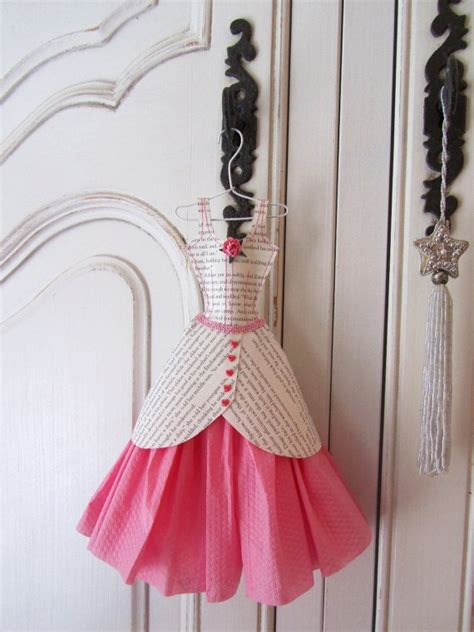 vestido manualidades de papel periodico las 25 mejores ideas sobre vestido de peri 243 dico en