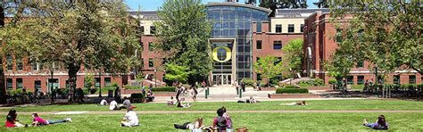 Best Mba School In Oregon by Lillis Complex Lundquist College Of Business