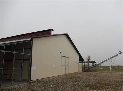 capannoni per allevamento polli capannoni avicoli per allevamento in batteria