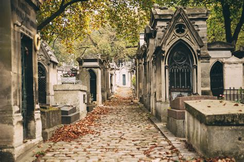 pere chaise pere lachaise cemetery tour paris city wonders