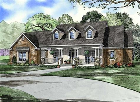 traditional southern house plans southern traditional house plans home design ndg 646b