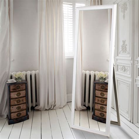 Bedroom Mirror Decorative Bedroom Mirrors In 21 Exle Pics