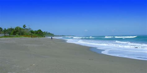 berawa beach canggu bali surf spots