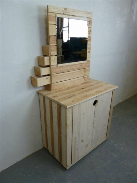 pallet made vanity table pallet ideas recycled
