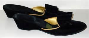 Daniel Green Bedroom Slippers Vintage Velvet Bedroom Slippers Daniel Green Black Bows Gold