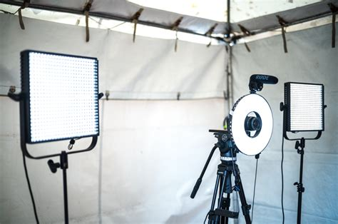 photo booth stand with light how to set up a booth borrowlenses