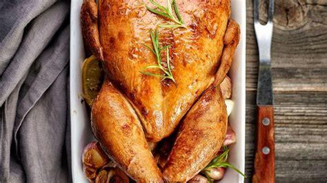cuisiner poulet au four poulet dinde chapon canard oie tout pour r 233 ussir la