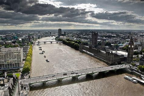 the themes london file river thames london 11sept2009 jpg wikimedia commons