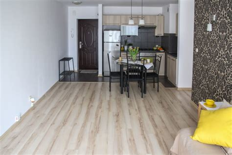 pavimento interno moderno foto gratis pavimento stanza interno casa tavolo