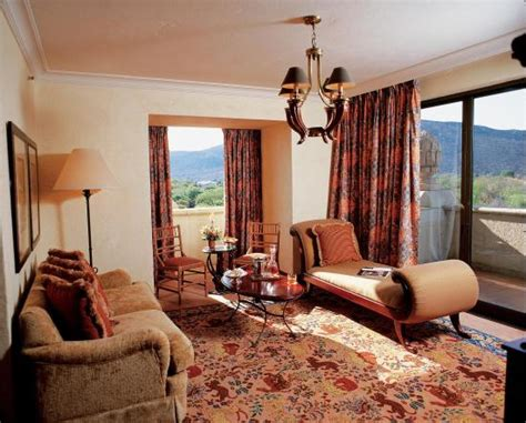 Which Is Better Rooms To Go Or City Furniture - junior suite picture of the palace of the lost city sun