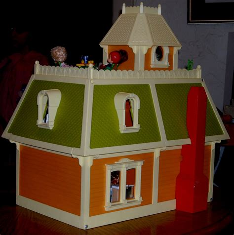 little doll house mattel s the littles 1980 dollhouse a wonderful world