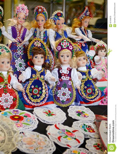 design clothes budapest raditional magyar dolls puppets in folk costume