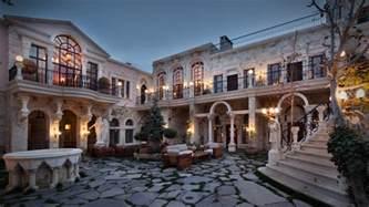 hause sacred house