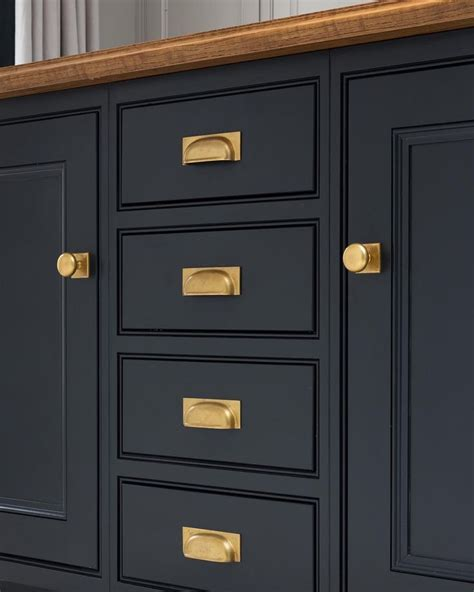 brass handles for kitchen cabinets 95 best cabinet handles knobs images on pinterest